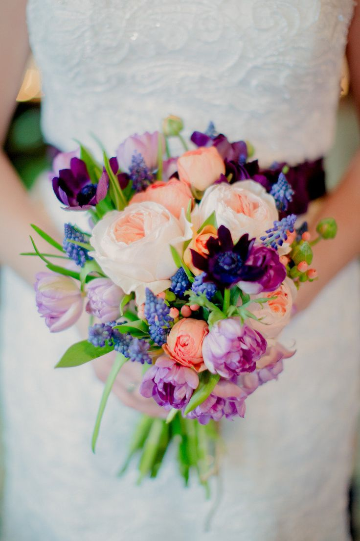 Anyone that knows me knows that I am obsessed with colorful weddings. Pink, blue, orange or purple... if it's vibrant and beautiful, I'm in 100 percent. So when I first spotted the dazzling hues in this gorgeous Blumen Gardensaffair, let's just say my smile widened. From ear to ear. Because when you pair pops of…
