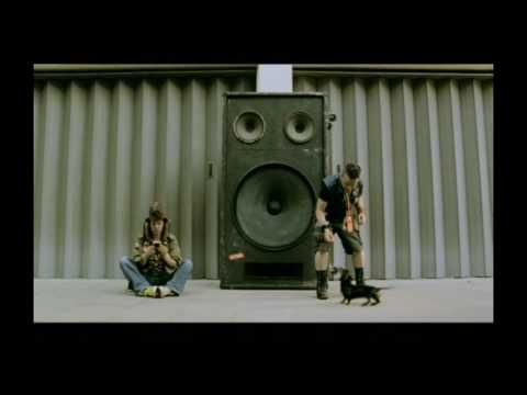 Music video by Groove Armada performing Superstylin'. YouTube view counts pre-VEVO: 51,972 (C) 2001 Zomba Records Limited