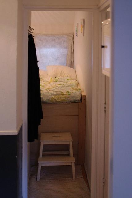 Klein en knus woon slaapkamer pinterest slaapkamer - Hoogslaper met geintegreerde garderobe ...