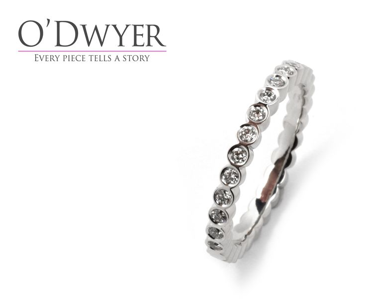 Juliet Collection - 18ct white gold ring with diamonds. Förlovningsring Vigselring