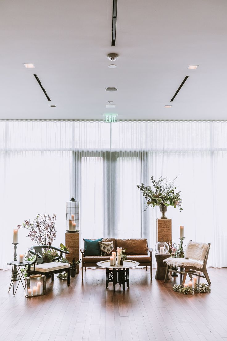 Host your wedding or event at South Congress Hotel in Austin Texas. Photography by Rick Cortex Photography, furnishing by Panacea Collection, floral Design by Gypsy Floral.