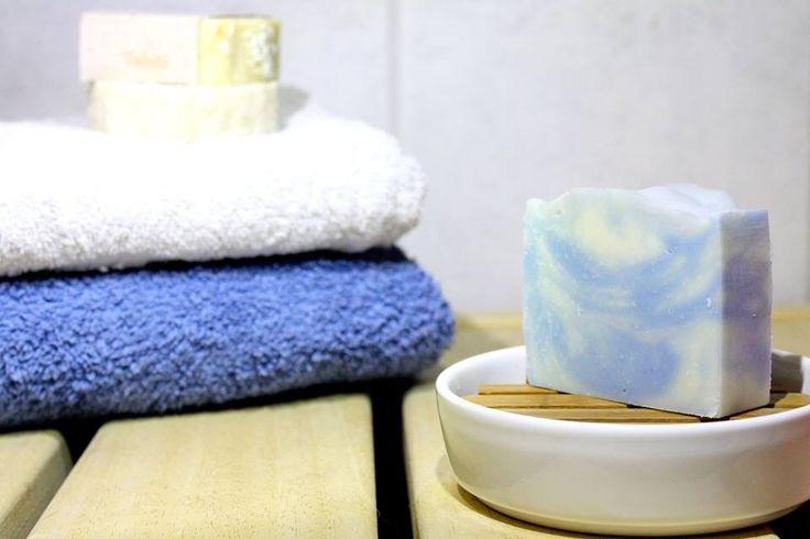 www.gooddaysoap.com Kotimaista, käsintehtyä luomusaippuaa. Handmade, natural soap.
