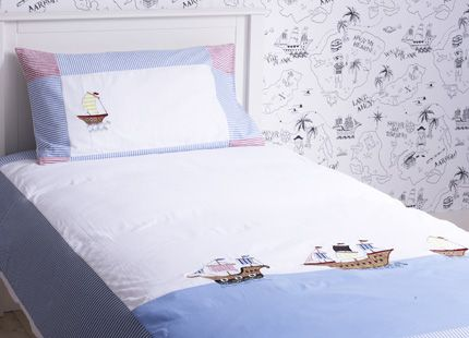 Treasure Island Bedset Little ones will appreciate this duvet cover and matching pillow case designed with popular pirate paraphernalia to inspire all manner of imaginative adventures. Complete the look with our motif wallpaper and curtains.