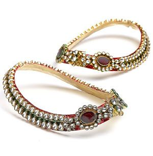 Beautiful Indian Payal / Anklets Feet #Jewelry, which also makes soft, melodious, amorous 'music'