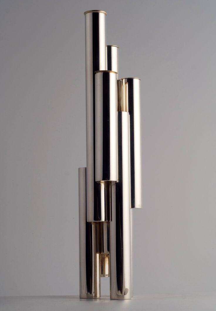 TUBI__ Vaso /vase, 1957__ Metallo argentato/silver metal__ Disegno/design Gio' Ponti__ Produzione/manufacture Lino Sabattini__ Riedizione/reissue Christofle, 2008__ Foto/photo Emanuele Zamponi__ www.linosabattini.com