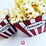 Süß oder salzig?🍿 Wie mögt ihr euer #popcorn am liebsten? 🤔🙌🏻 . . Wir machen uns heute einen gemütlichen #kino Abend auf dem Sofa 🎬😇 und zum Film gibt's - na klar - frisches Popcorn 😋 noch warm ist es einfach am leckersten! ♨ . . Die Popcorn Tüte gibt's in unserem Shop und muss nur ausgedruckt, ausgeschnitten, gefaltet und zusammengeklebt werden ✂💁