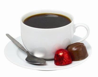 """Kafa i čokolada - Vekovima je kafa, tačnije ispijanje kafe, bilo povod za druženje i okupljanje. Oduvek je gotovo nemoguće odvojiti ta dva """"događaja"""". Međutim, prava čarolija nastajeu trenutku kada se spoje kafa i čokolada..."""