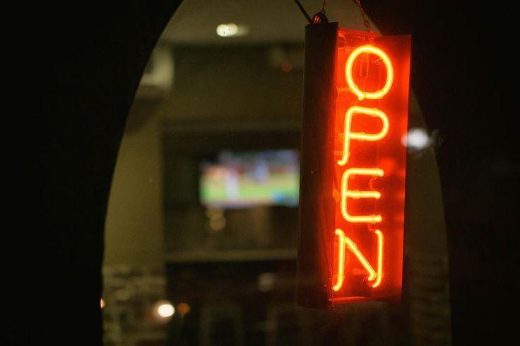 Open. Location: Silverlake Los Angeles : Sony A6000 / Zeiss 55mm f/1.8  #street #streetphotography #night #nightphotography #sunset #losangeles #la #california #ca #socal #usa #mirrorless #sony #sonyimages #sonyalphasclub #agameoftones #sonyalpha #alpha #a6000 #zeiss #carlzeiss #nikcollection