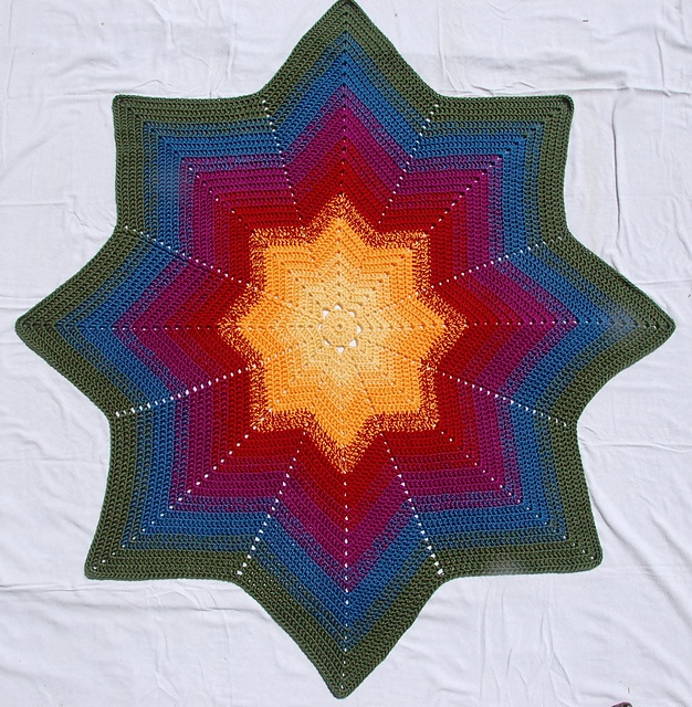 Ravelry: CourtneyCrochet's Star Colors 8-Point Round Ripple--with a link to the free pattern