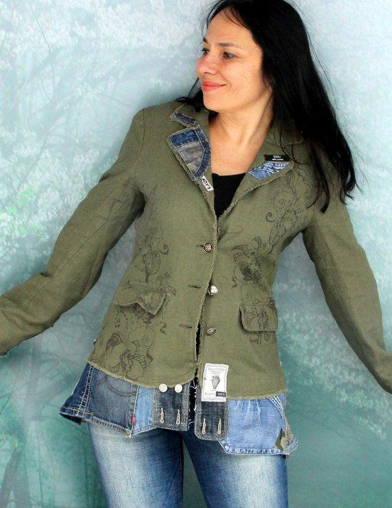 Verrückte Boro recycelt Leinen und Denim-Jeans-Jacke mit Thermofutter. Aus Upcycled Leinen Jacke und Recycling Schrotte Denim-jeans. Applizierten.