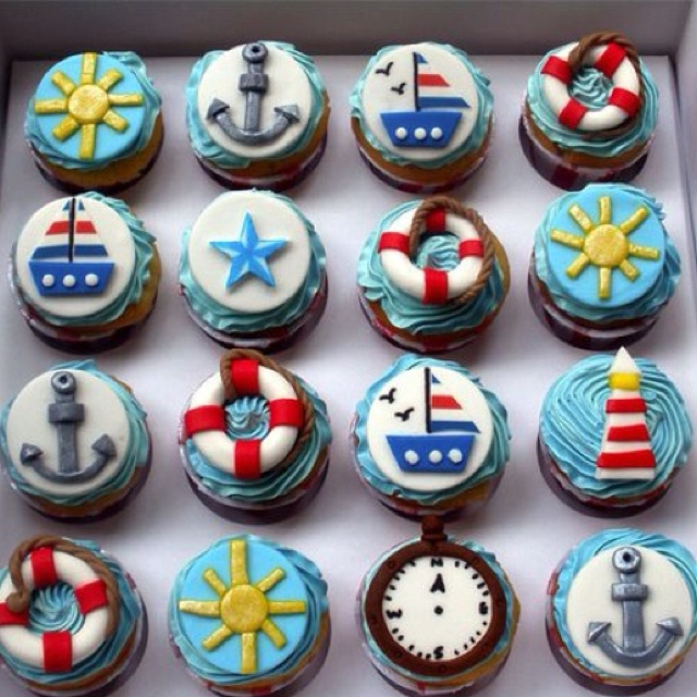 Sea worthy sweets! Cupcakes from the beach. :)
