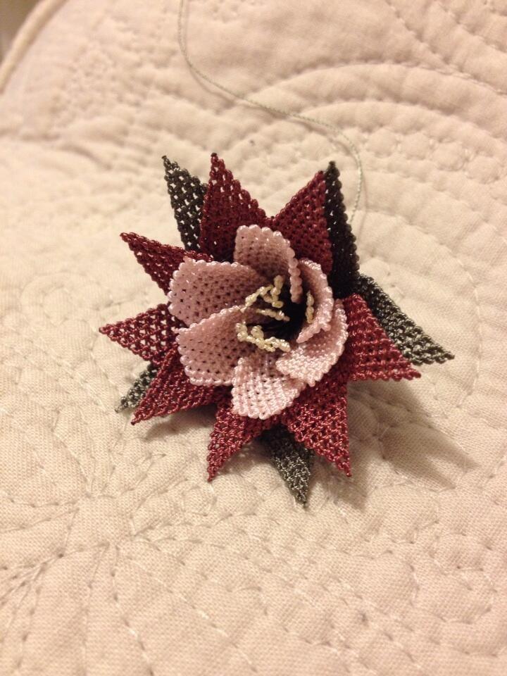 broş Turkish needle lace