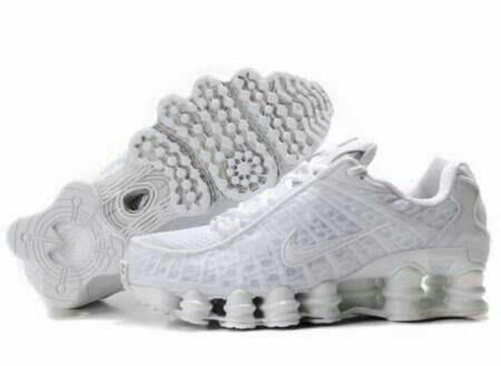 c7145e11592 lebron james basketball shoes for sale nike shox tl4