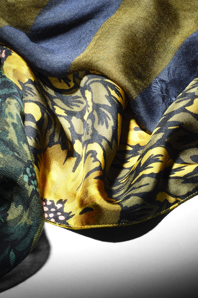 Burberry Autumn/Winter 2012 scarves