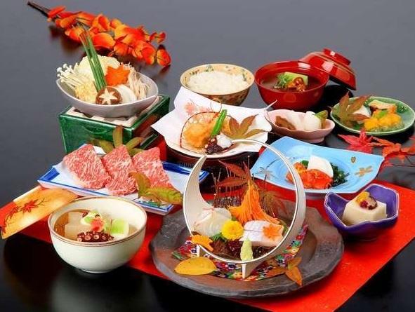 秋の日本料理メニューの一例