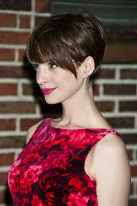 Anne Hathaway pixie, like how she has embraced all styles short after wearing long hair for years.