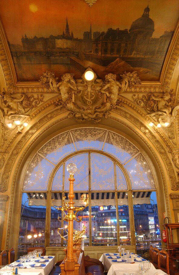 "Famous Paris cafe - ""Le Train Bleu"""