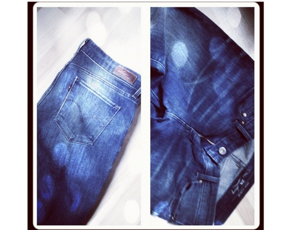 Jeans: Book