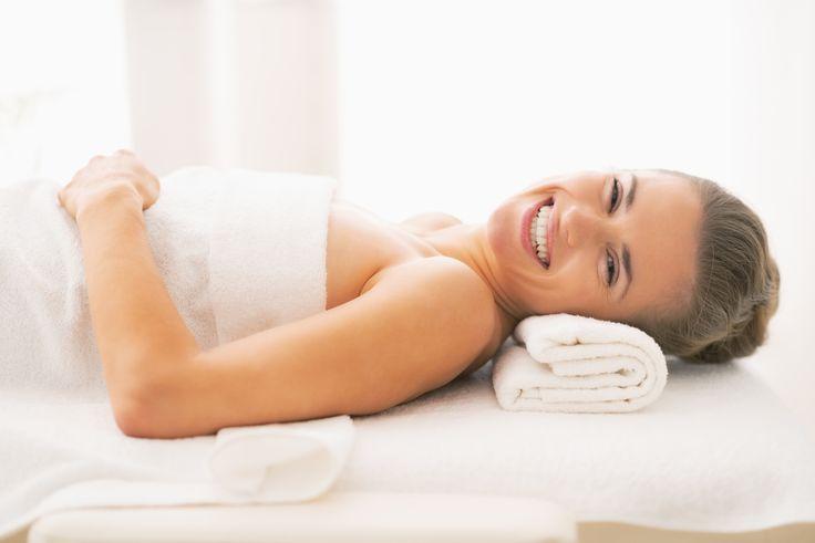 Zgadzacie się, że kobiecie od czasu do czasu potrzebna jest zmiana? Po wizycie w naszym The SPA będziecie zrelaksowane i odmienione! Siłownia, basen, specjalistyczne zabiegi, masaże, manicure, fryzjer, salon optyczny... czekają na Was!  Do you agree that every woman needs a change and relaxation from time to time? The gym, swimming pool, massages, manicure, hairdresser and more are waiting for you!
