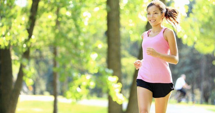 ¿Cuál es el porcentaje de grasa más bajo que puede tener el cuerpo?. Los porcentajes de grasa corporal miden tu composición corporal, teniendo en cuenta no sólo tu peso, sino el porcentaje de peso que se compone de grasa. Debido a que la masa muscular ocupa menos espacio, quienes tienen poca grasa corporal tienen un aspecto más apretado y más tonificado. Los culturistas y los competidores de fitness se esfuerzan ...