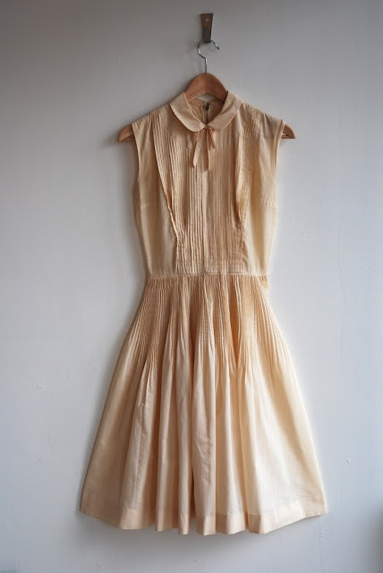 annex vintage: 1950's Cotton Off-White Pleated Dress with Peter Pan Collar