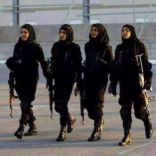 Shia News @shianews313 Follow #Iraqi women's are also ready to combat with…