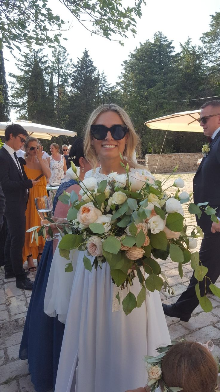 Norwegian girl. Boho wedding at beautiful Agriturismo Titignano in Umbria, Italy.  Amazing dress from TSH and designer Tina Steffenak Hermansen. Brudal bouquet and flowers by Flowers Living.