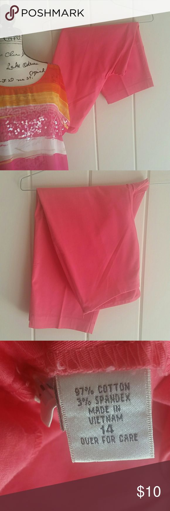 Pretty Coral Capri Pants Gorgeous pair of capri pants in a soft coral color in like new condition. Side zip for ease of wear. You're going to love these! Kim Rogers Pants Capris