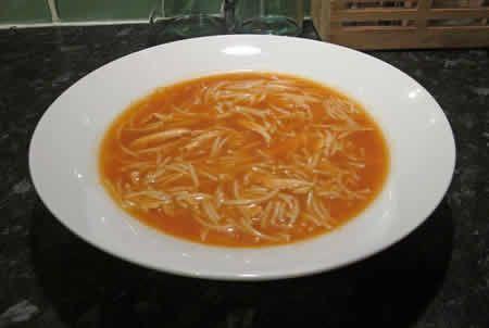 soupe tomates vermicelles thermomix, une délicieuse recette pour votre entrée ou dîner, facile à réaliser chez vous avec votre thermomix,