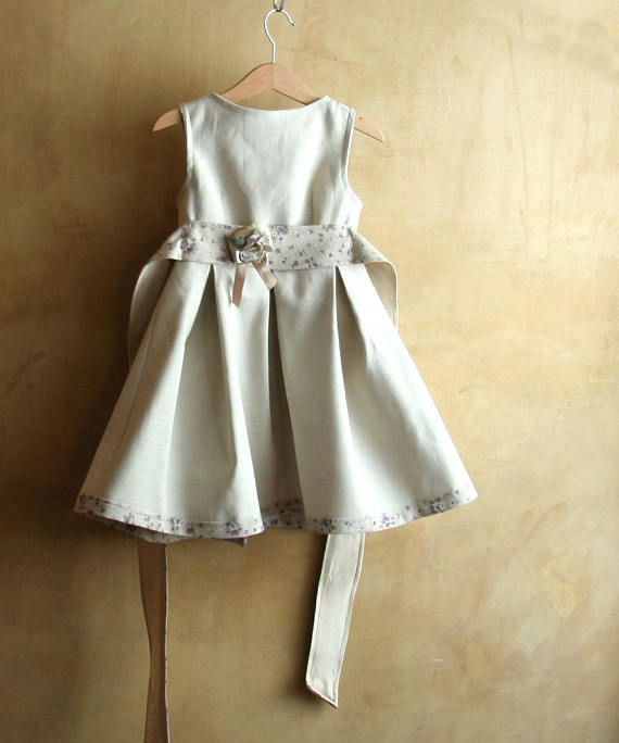 Elegante abito di lino per le occasioni speciali: raffinato e particolare per una romantica bambina by Pabuita #italiasmartteam #etsy