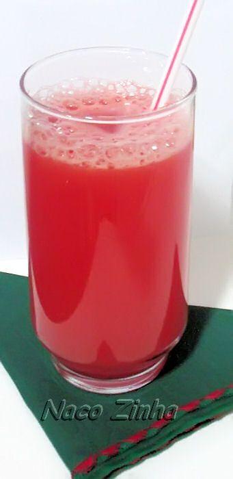 Suco de melancia e água de coco