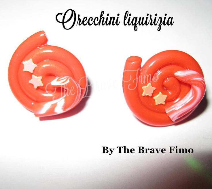 orecchini bottoncino liquirizia e zuccherino in fimo ...Sono Totalmente realizzati a mano Senza stampi e lucidati con apposita vernice Costo: 5 euro
