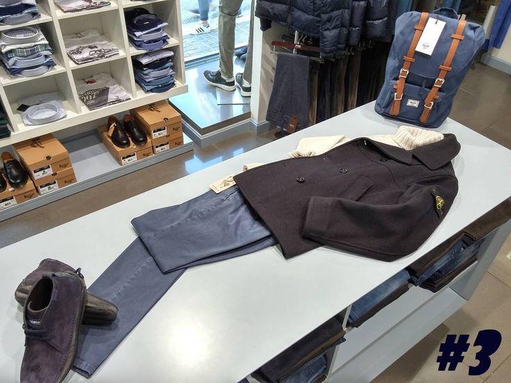 #LookOfTheWeek #3 ispirato dal  #Blu del #Peacot #StoneIsland in panno lana-nylon di derivazione militare con maglione a collo alto pantaloni #Berwich e polacchini in pelle scamosciata #LoWhite  #look #lookbook #lookoftheday #lookdujour #outfit #outfits #outfitoftheday #ootd #menswear #outfitoftheweek #style #fashion