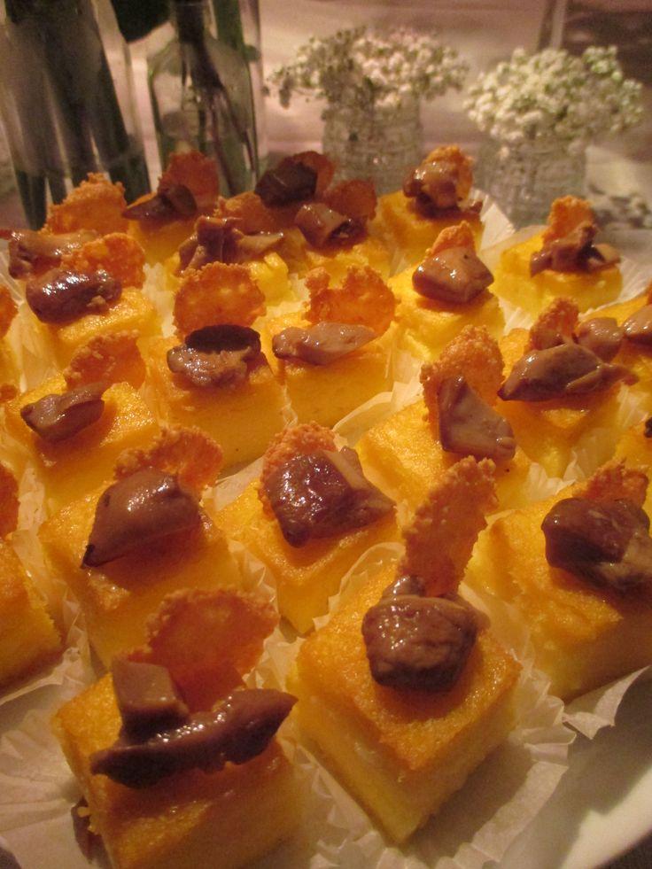 Polentine croccanti con funghi porcini e cialdine di parmigiano