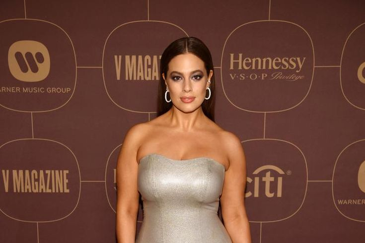 Okay Ashley, we see you. Ashley Graham is easily one of the most influential models in the game right now. Her voluptuous figure is changing the way models have previously been viewed proving to many young women worldwide to love your body, no matter what size. If you follow the 30-year-old on Instagram you're well …