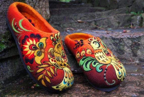 Felted slippers, Slavic Khokhloma painting -- from IrinaU of Czechoslovakia.