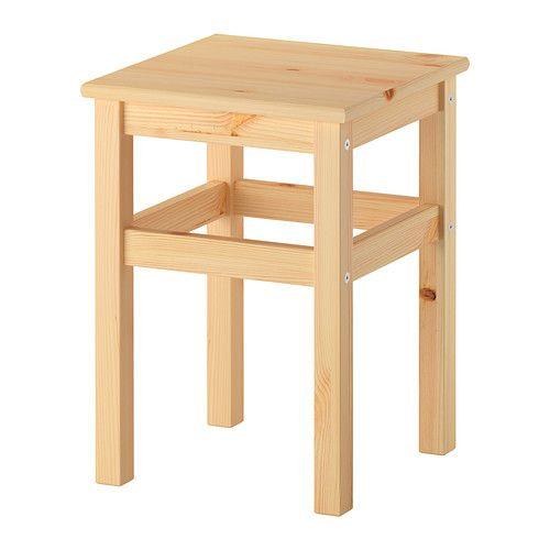 ODDVAR Stolac IKEA Puno je drvo izdržljiv, prirodan materijal koji se može brusiti i premazivati po potrebi.