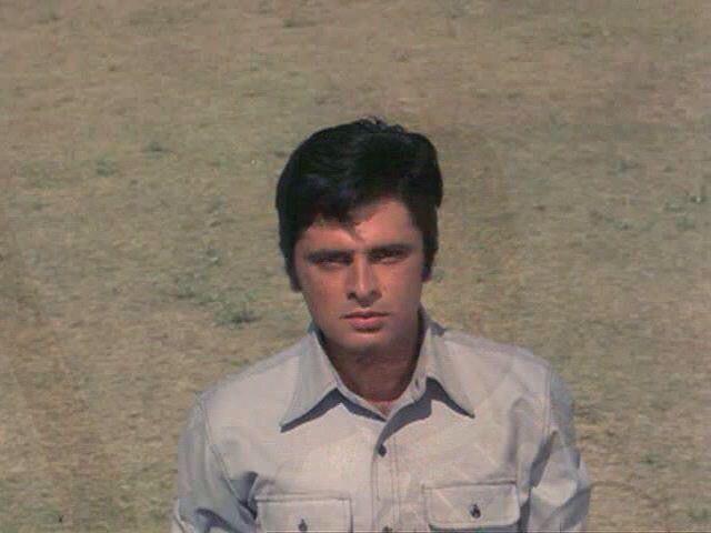Sanjay Khan in Mela