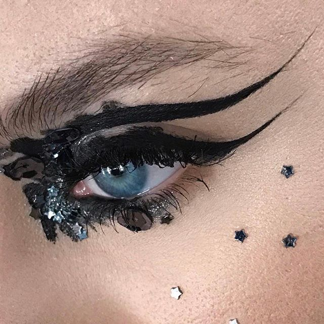 EXCLUSIVE: Click the link in our bio for 9 #KatVonD hacks straight from her #KvDArtistryCollective.  And in honor of the brand-new makeup artist team we rounded up some of our favorite Instagram posts by the 4 #MUA: @iamleah @sstrazzere @juscallmetara and @kelseyannaf. (The badass ladies will teach master classes and make videos for the new #KatVonD Beauty #YouTube channel!) #Repost  via ALLURE MAGAZINE OFFICIAL INSTAGRAM - Fashion Campaigns  Haute Couture  Advertising  Editorial Photography…