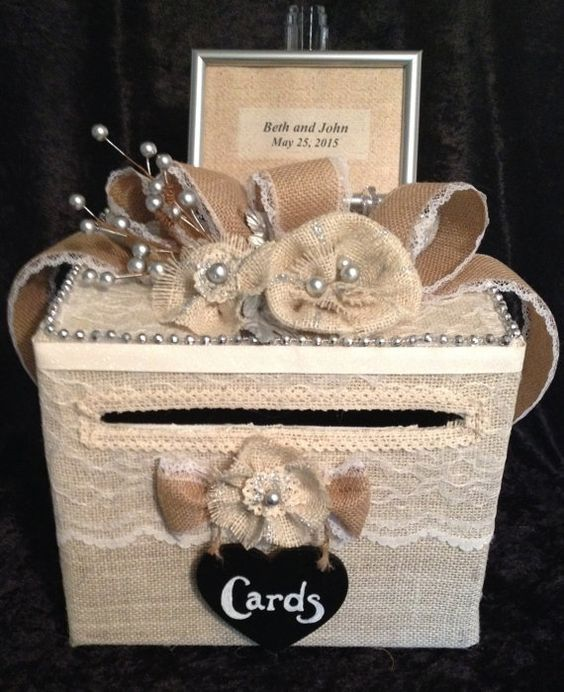 Burlap Wedding Money Card Gift Box for reception  / http://www.himisspuff.com/rustic-country-burlap-wedding-ideas/2/
