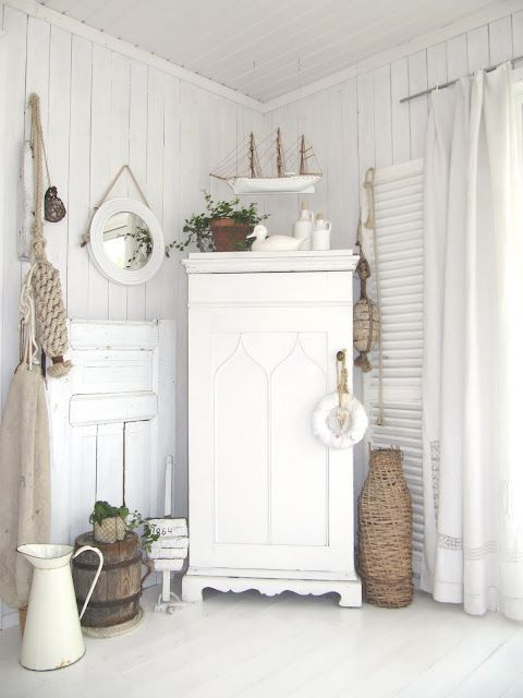 Like the white with natural accents