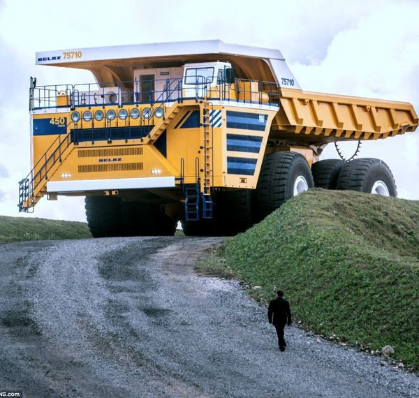 Beast on Wheels. BelAz 75710, the worlds largest Dump Truck, 4,500 bhp from 2 Diesel engines it can carry 450 metric tons at 40 mph