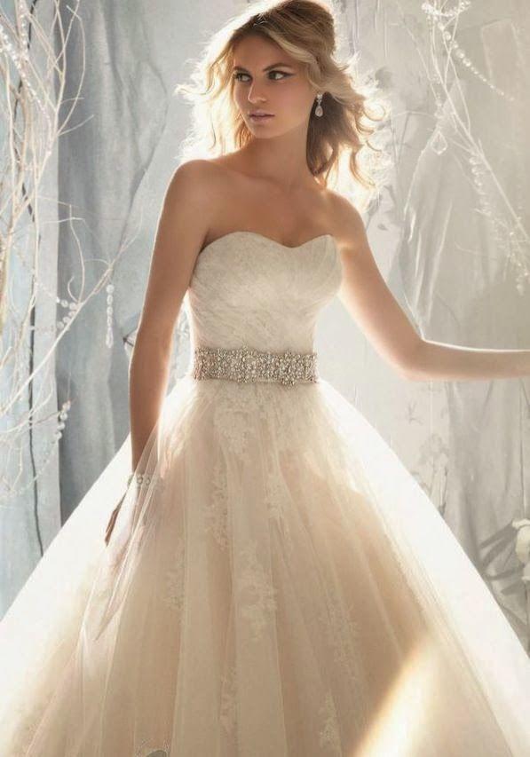 High Fashion   Style   Wedding Ideas: Elegant wedding dress