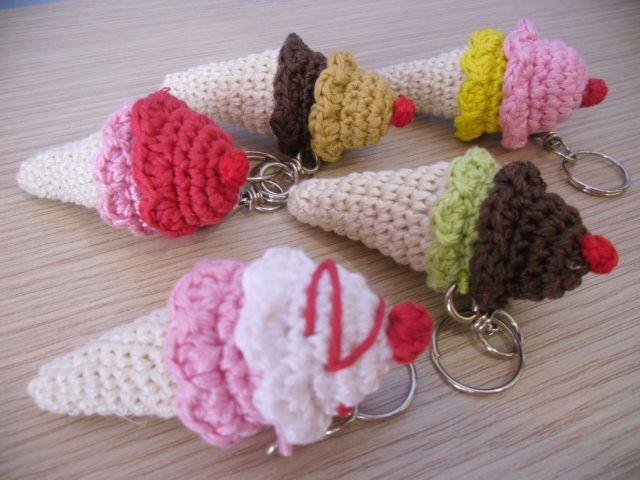 crochet keyrings/portachiavi all'uncinetto
