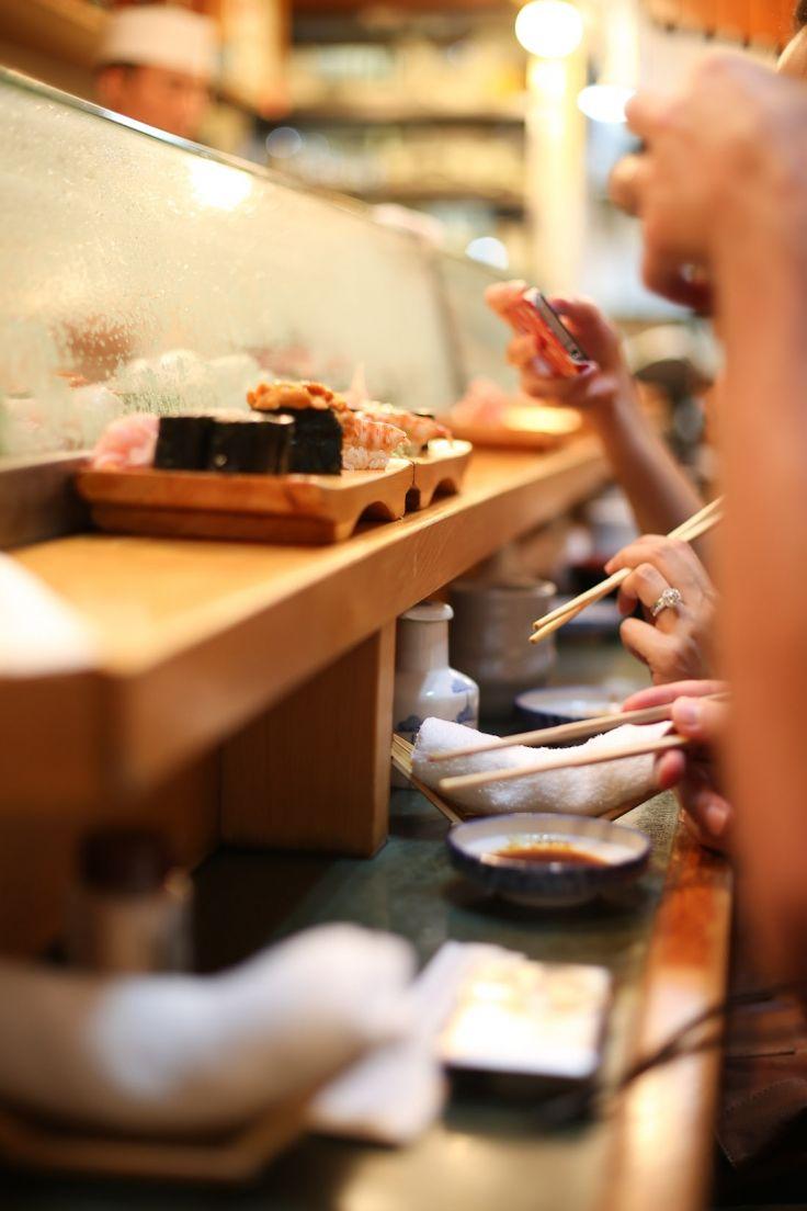 Sushi Breakfast at Tsukiji Fish Market: Daiwa Sushi » a Tokyo must do after the tuna auction!