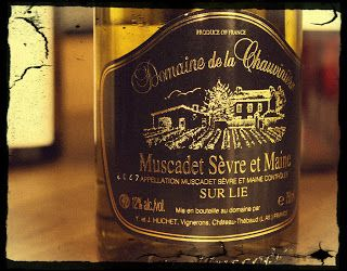 Domaine de la Chauvinière Muscadet Sèvre et Maine Sur-Lie 2011 Leia em Português This Muscadet Sèvre et Maine Sur-Lie from Domaine de la Chauvinière was produced from vines surrounding a wind mill, planted in granite soil. It's clear in appearance, with a pale lemon-green colour. On the nose it has intense aromas of green fruits (green …