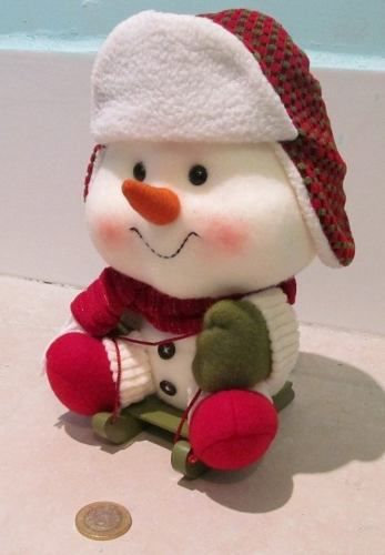 Snowmen are my favorite and this is why. CUTE!