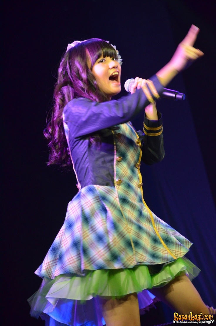 Stella when performed at 1st JKT48 Theater