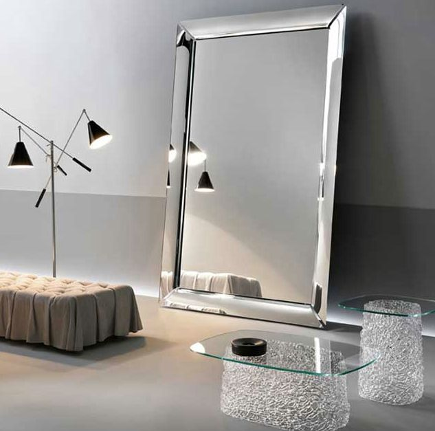 Specchio Caadre Designer Philippe Starck per Fiam Vetro da 6mm,telaio in metallo verniciato grigio metallizzato. #fiam #fiamitalia #glass #furniture #design #mirror #caadre #masterpiece #starck