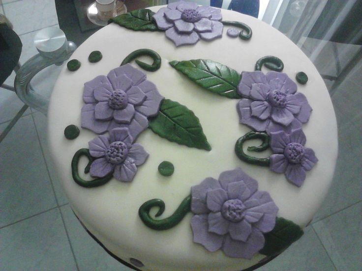 cake - dort fialové květiny